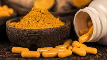 Curcumin_herbal-supplement